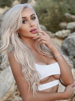 Zara - Escort Oriane | Girl in Dubai